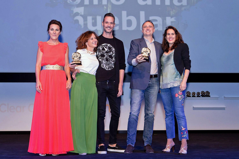Gabriela Díaz Guardamino y el equipo de McCann recogen EFI de oro en la categoría Eficacia en Comunicación Comercial. Imagen, cortesía de aea.
