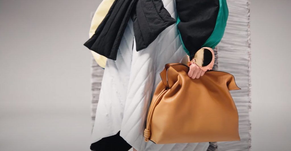Loewe FW 2021 collection_A Show in The News_Flamenco Maxi Bag_bracelet bag