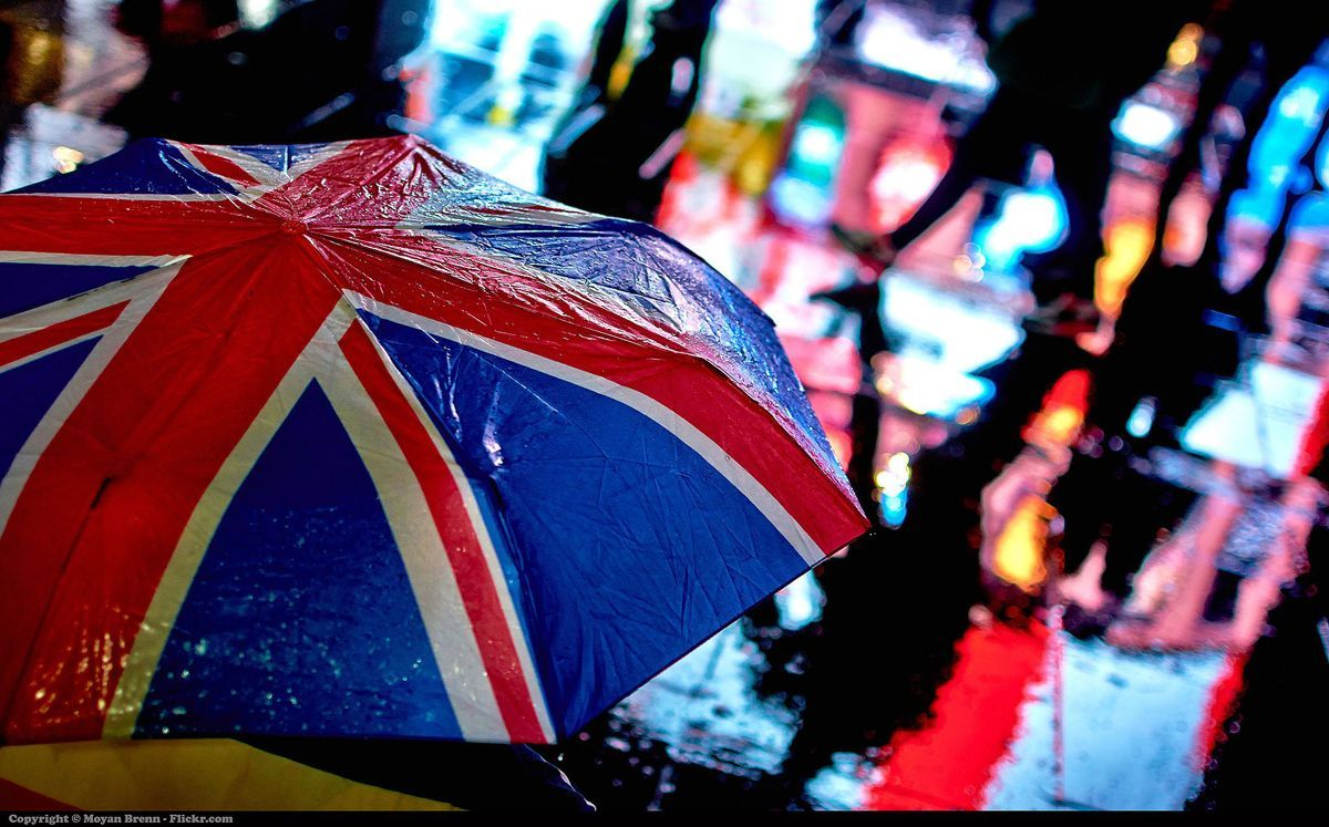 Umbrella at London. Photo by Moyan Brenn from Anzio, Italy, vía Wikimedia Commons . To know more about http://creativecommons.org/licenses/by/2.0