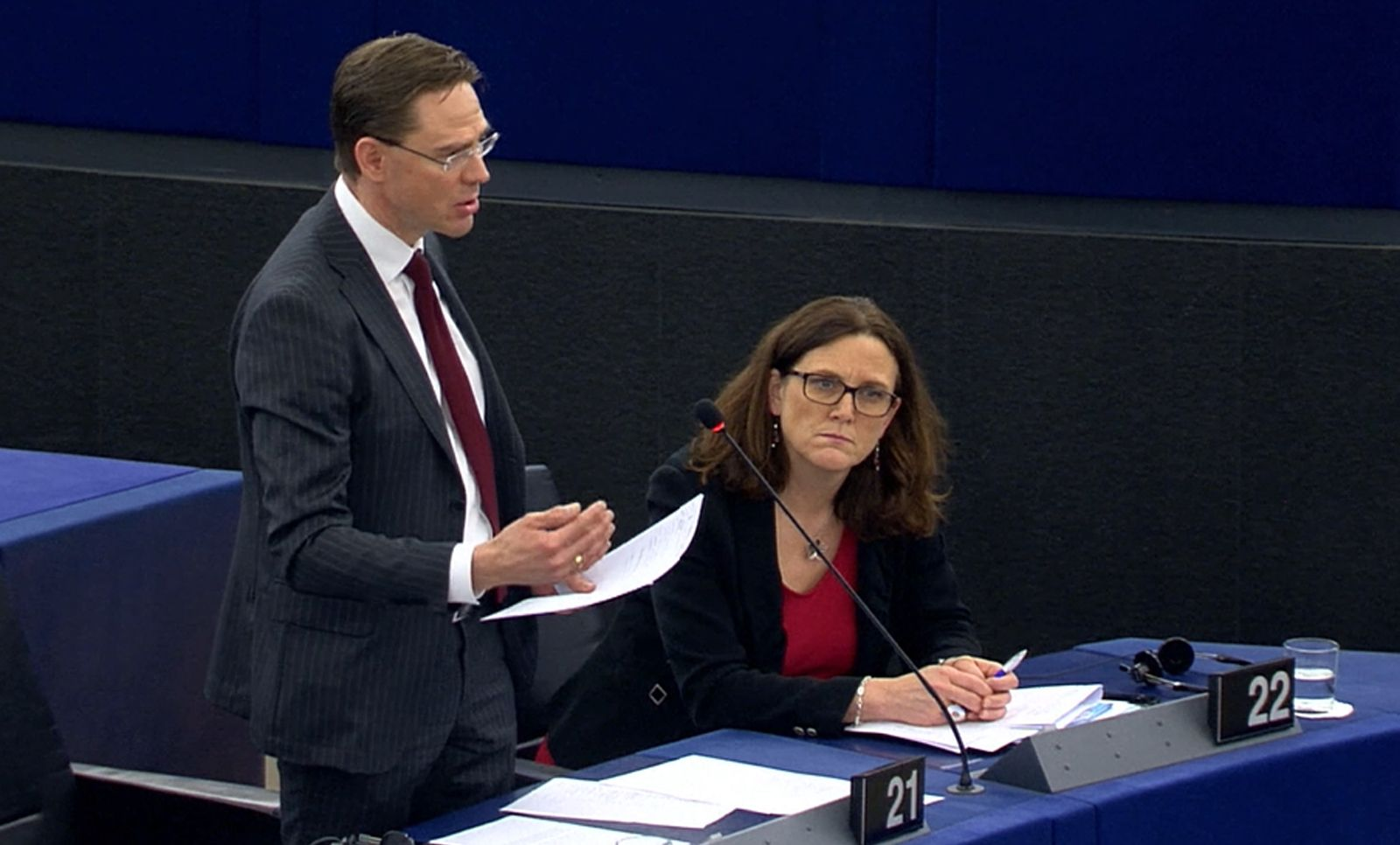 Jyrki Katainen (Vice President of the EC in charge of Jobs, Growth, Investment and Competitiveness) talks on trump's metal taxes at the plenary session of the EP on 14th March 2018. sitting on the right Ceilia Malmström (Member of the EC in charge of Trade and member of the EU Parliament from the Alliance of Liberals and Democrats for Europe -Sweden-). © EU Parliament
