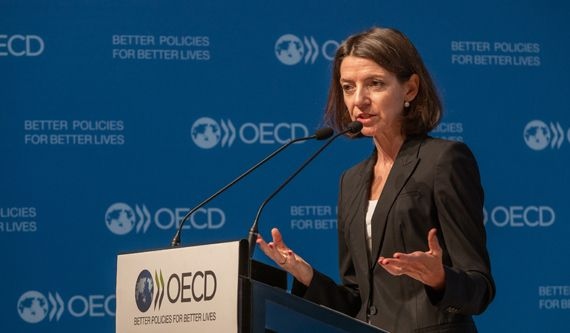 Laurence Boone, Chief Economist of the OECD, presents the Economic Outlook. Photo: OECD/Victor Tonelli.